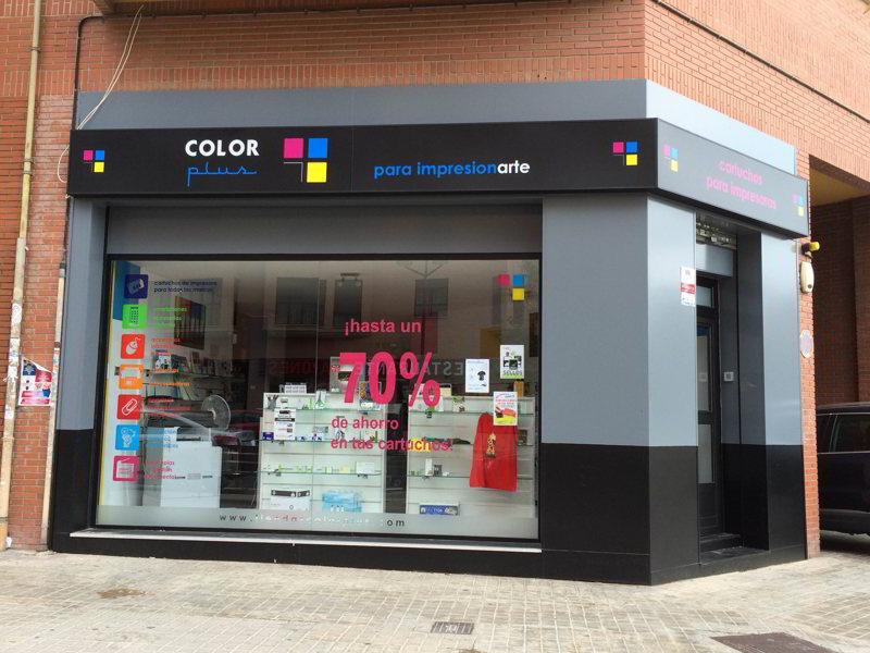 Nueva apertura de color plus en valencia for Oficinas dhl valencia